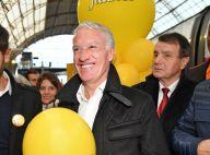Didier Deschamps rayonnant avec ses nouvelles dents pour les Pièces Jaunes