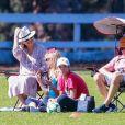 Exclusif - Kate Hudson très enceinte est allée soutenir son fils Bingham avec son compagnon Danny Fujikawa lors d'un match de football à Malibu. Sa mère, Goldie Hawn, est aussi de la partie! Le 23 septembre 2018