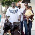 P. Diddy et Kim Porter avec leurs jumelles  D'Lila Star et Jessie James à  West Hollywood en 2007