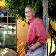 Exclusif - L'auteur et écrivain à succès Eric Holder pose dans sa maison du Medoc, à Naujac le 30 Septembre 2015.