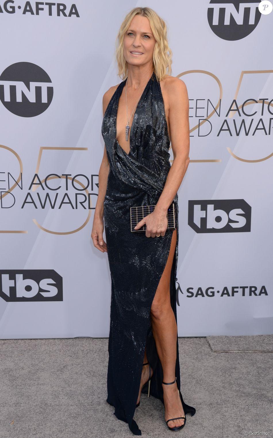 Robin Wright (Robe Oscar de la Renta) - Photocall - 25ème cérémonie annuelle des Screen Actors Guild Awards au Shrine Audritorium à Los Angeles, le 27 janvier 2019.