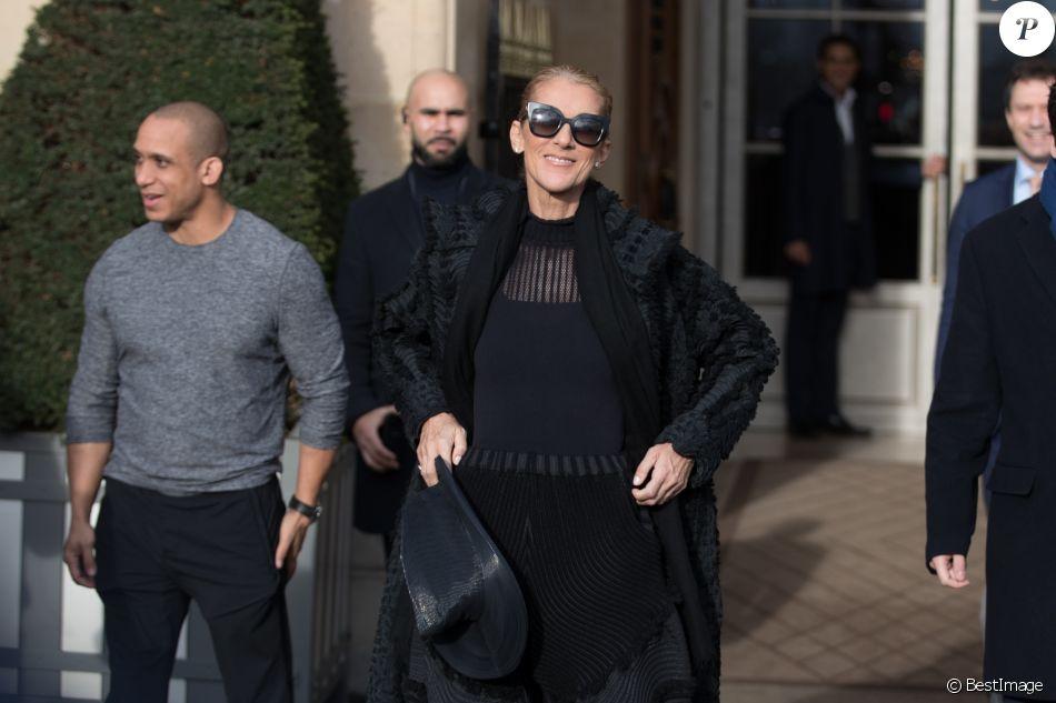 Celine Dion sort de l'hôtel de Crillon à Paris le 1er février 2019.