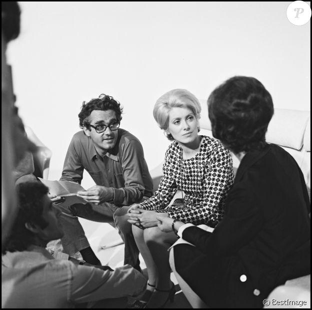 Archives - Michel Legrand et Catherine Deneuve sur un plateau d'émission de télévision.