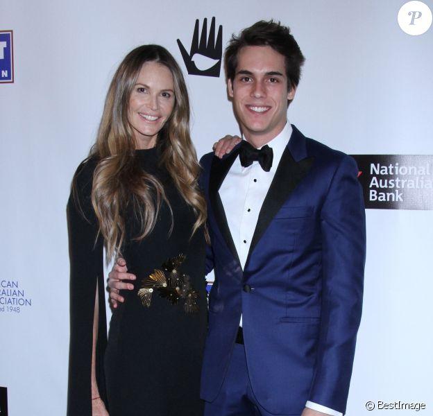 Elle MacPherson et son fils Arpad Flynn Alexander Busson à la soirée American Australian Arts Awards au Skylight Modern à New York, le 31 janvier 2019.