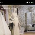 Laurent (Mariés au premier regard) installé au beau milieu d'un showroom de robes de mariée sur Instagram le 10 février 2019.