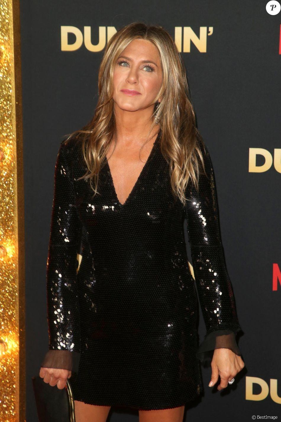 """Jennifer Aniston à la première du film """"Dumplin"""" au TCL Chinese 6 Theater à Los Angeles, Californie, Etats-Unis, le 6 décembre 2018."""