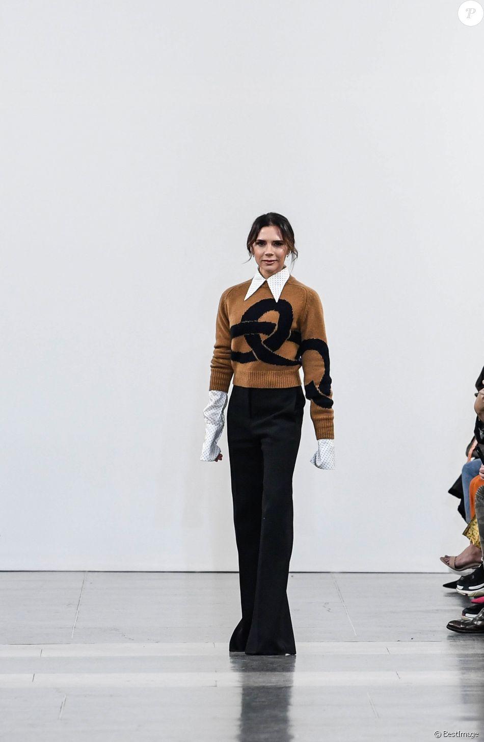 Défilé de mode Victoria Beckham, collection prêt-à-porter automne-hiver 2019/2020 lors de la Fashion Week de Londres, le 17 février 2019.
