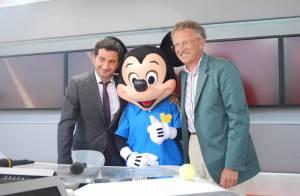 Nelson Monfort et Cyril Hanouna reçoivent un invité surprise à Roland-Garros...