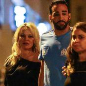 Pamela Anderson et Adil Rami, enlacés, s'affichent complices comme jamais