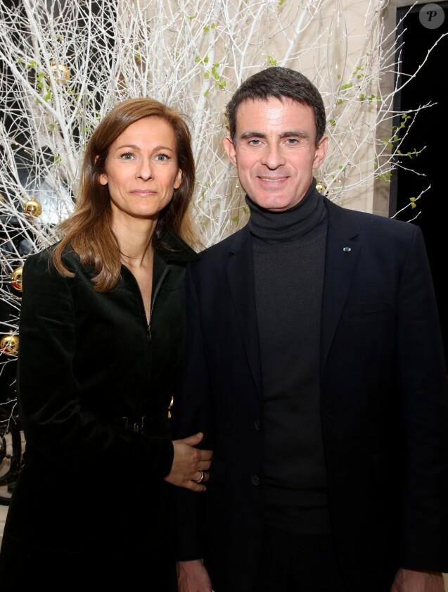 Exclusif - Manuel Valls et sa femme Anne Gravoin - 70ème anniversaire de la comédienne Andréa Ferréol au Studio Harcourt à Paris le 8 janvier 2017. © Denis Guignebourg/Bestimage