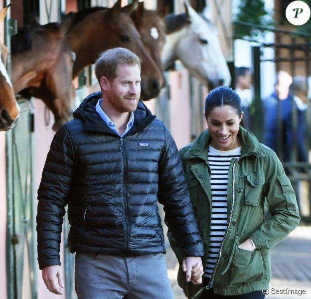 Le prince Harry, duc de Sussex et Meghan Markle (enceinte), duchesse de Sussex en visite à la Fédération Royale Marocaine de Sports Equestres à Rabat, lors de leur voyage officiel au Maroc. Le 25 février 2019