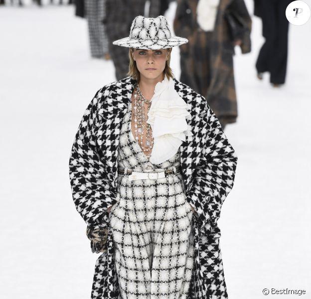 Cara Delevingne - Défilé de mode Chanel collection prêt-à-porter Automne-Hiver au Grand Palais lors de la fashion week à Paris, le 5 mars 2019.