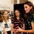 """La duchesse Catherine de Cambridge (Kate Middleton), en robe Alexander McQueen, à la National Portrait Gallery lors du gala du musée """"Inspiring People"""", le 12 mars 2019 à Londres."""