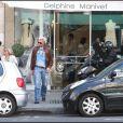 Boris Becker patiente en attendant que sa belle fasse ses achats à Paris