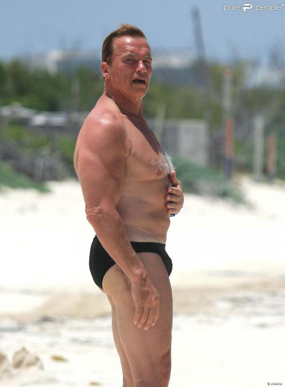 Arnold schwarzenneger dans le nu