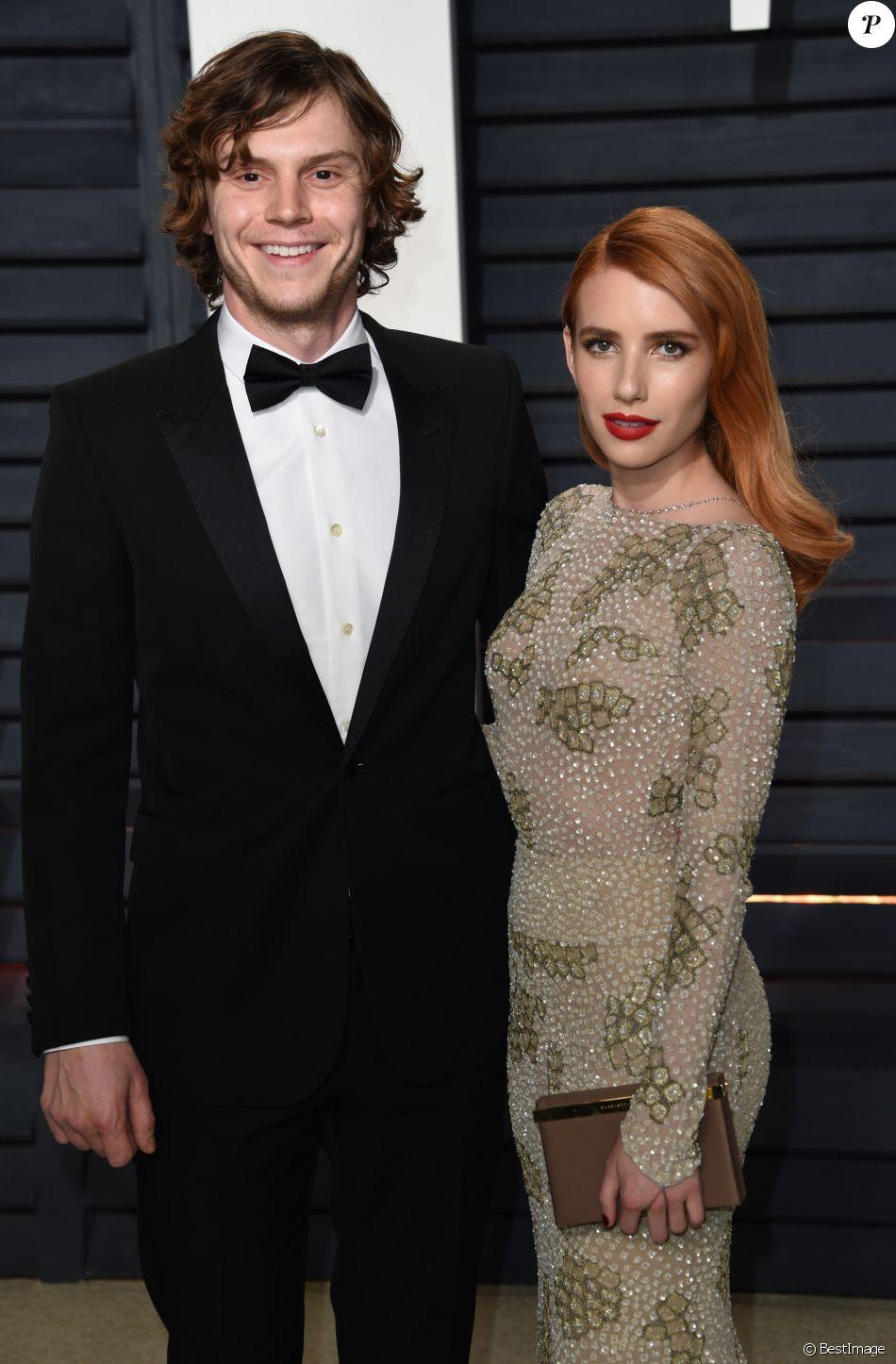 Evan Peters et Emma Roberts à Beverly Hills, le 26 février 2017.