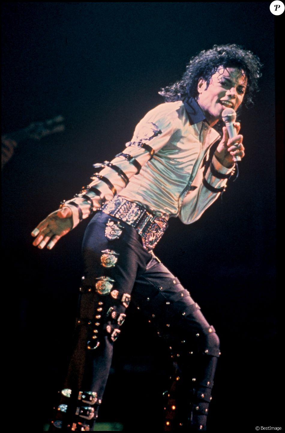 Michael Jackson sur scène à Londres, le 25 mai 1988.
