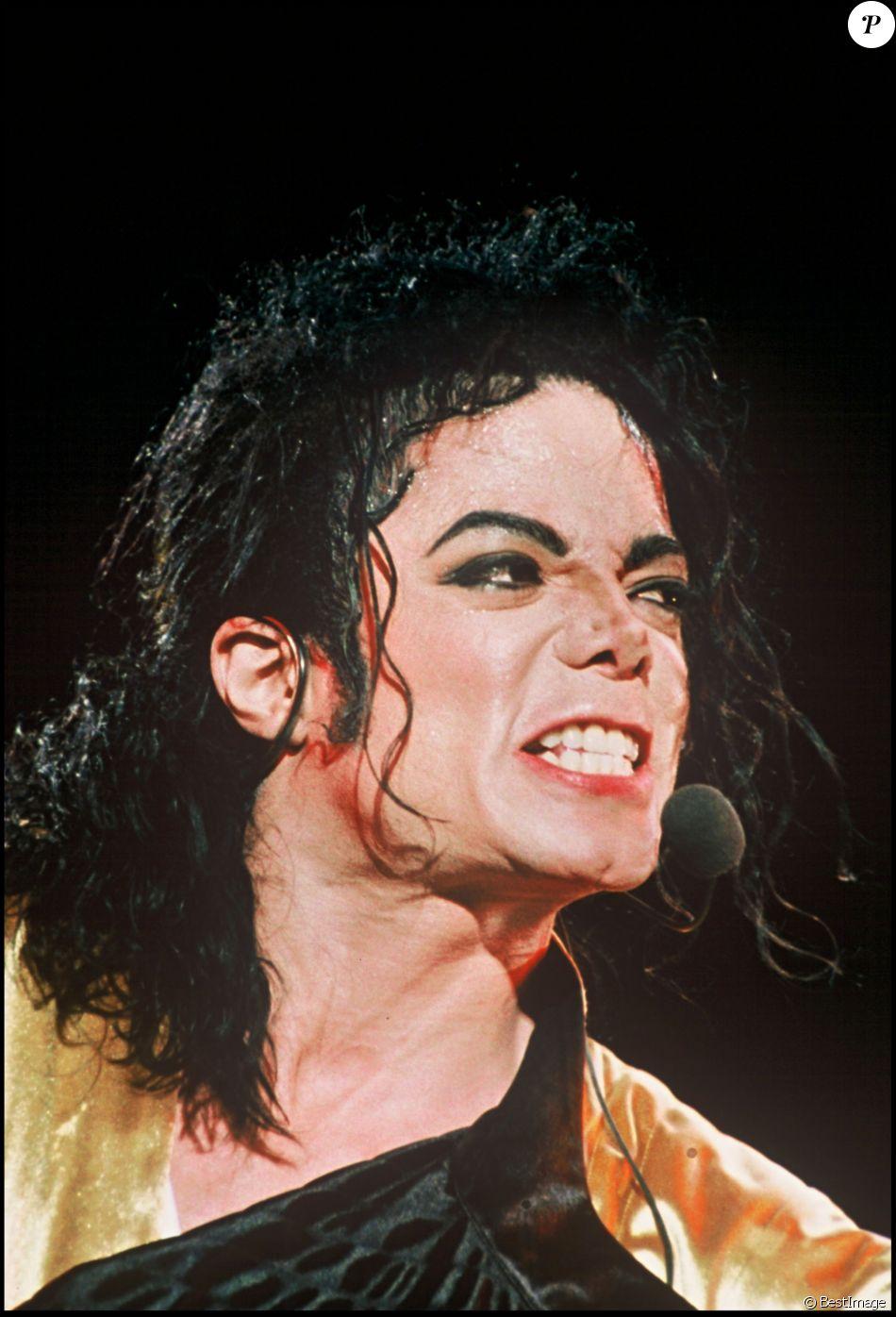 Michael Jackson sur scène, à Londres, le 3 août 1992.