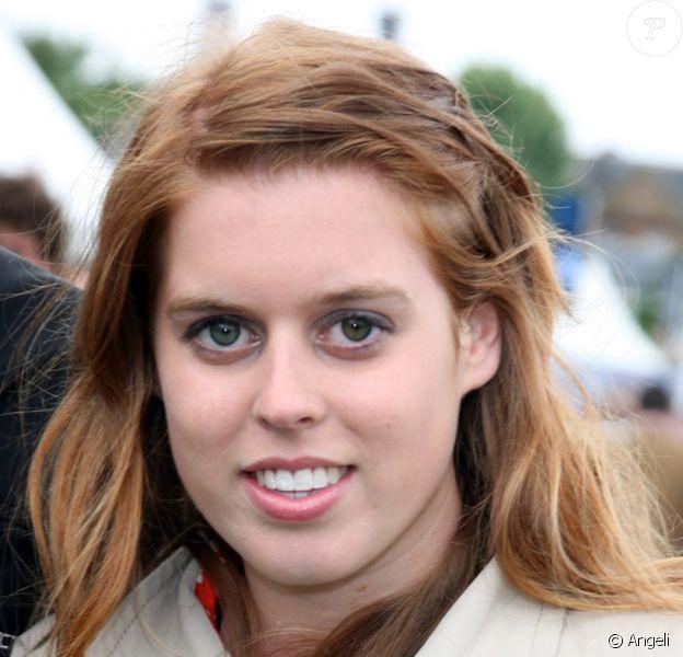 La princesse Beatrice et son amoureux Dave Clark au Hurlingham Club de Londres, le 5 juin 2009