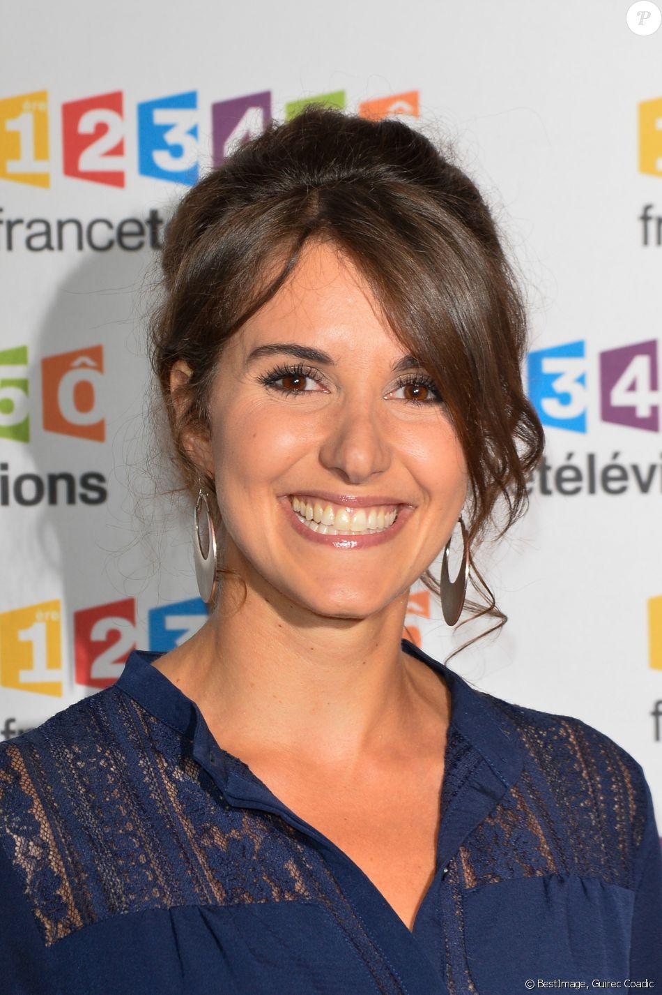 Fanny Agostini va se marier en juin prochain - Fanny Agostini lors du photocall de la présentation de la nouvelle dynamique 2017-2018 de France Télévisions. Paris, le 5 juillet 2017. © Guirec Coadic/Bestimage