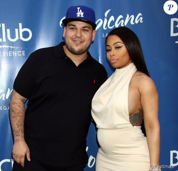 Rob Kardashian et sa fiancée Blac Chyna enceinte au Memorial Day Weekend du Sky Beach Club à Las Vegas, le 28 mai 2016.