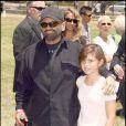 Joe Pesci et sa fille, lors du 20e Time for Heroes Carnival, pour la recherche contre le sida, à Los Angeles, le 7 juin 2009 !