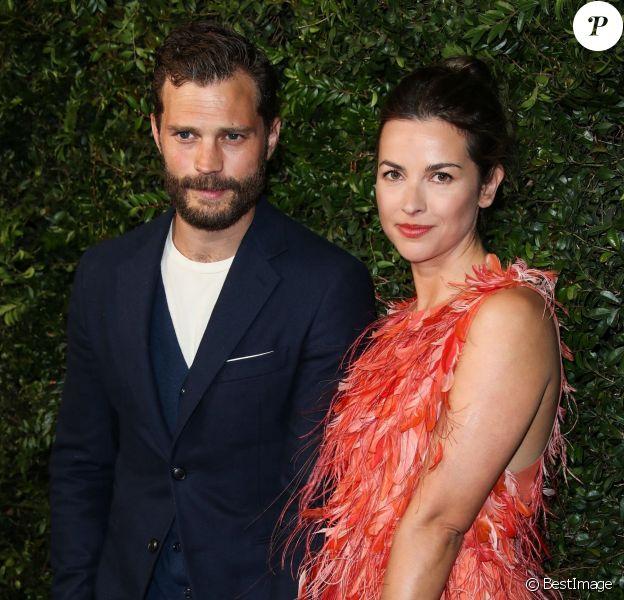 """Jamie Dornan et sa femme Amelia Warner lors du dîner """"Chanel and Charles Finch Pre-Oscar Awards"""" au restaurant Madeo à Los Angeles, le 3 mars 2018."""