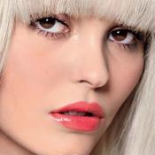 Lily-Rose Depp change de tête et surprend en poupée pop !