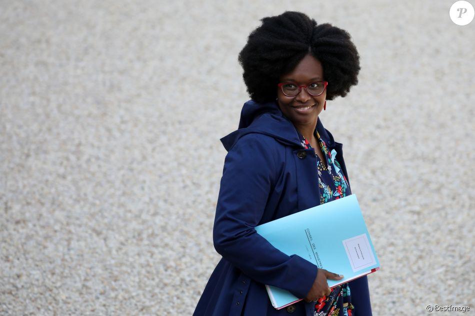 Sibeth NDiaye, porte parole du gouvernement - Sortie du conseil des ministres, cour de l'Elysée, Paris, le 1er avril 2019. ©Stéphane Lemouton / Bestimage