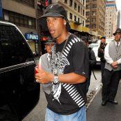 Ronaldinho : il n'y a que lui pour mélanger look bling bling et... pochette Vuitton !