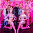 Exclusif - Cara Delevingne, sa petite amie Ashley Benson et des amies posent avec les danseurs de la revue du Moulin Rouge à Paris, France, le 9 avril 2019. © Marc Ausset-Lacroix/Bestimage