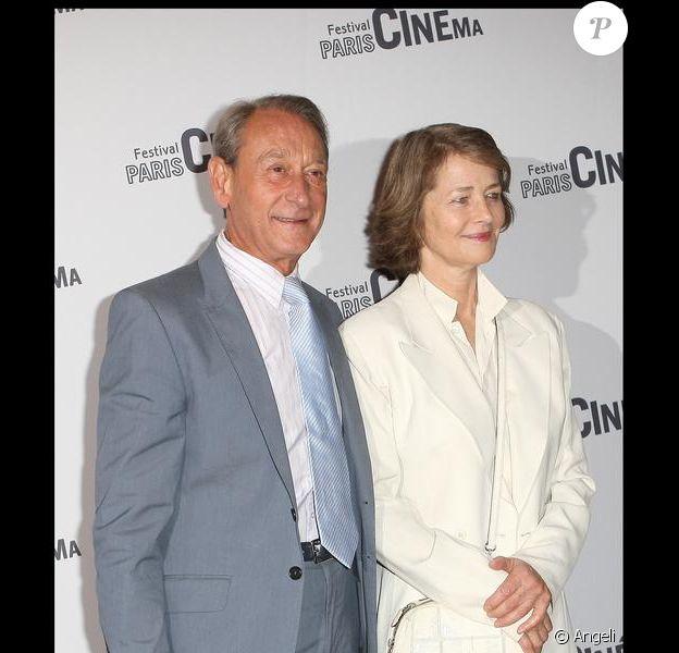 Charlotte Rampling et Bertrand Delanoë lors de la conférence de presse du Festival Paris Cinéma le 12 juin 2009