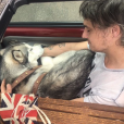 Pete Doherty et son chien. Juillet 2018.