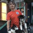 Pete Doherty et ses chiens. Novembre 2018.