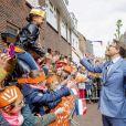 Le prince Constantijn avec le public lors des célébrations du King's Day à Amsfoort le 27 avril 2019 pour les 52 ans du roi Willem-Alexander des Pays-Bas.