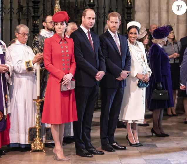 Catherine Kate Middleton, duchesse de Cambridge, le prince William, duc de Cambridge, le prince Harry, duc de Sussex, Meghan Markle, enceinte, duchesse de Sussex, le prince Charles, prince de Galles lors de la messe en l'honneur de la journée du Commonwealth à l'abbaye de Westminster à Londres le 11 mars 2019.  11th March 2019 London UK Britain's Queen Elizabeth is joined by Prince Charles, Camilla, Duchess of Cornwall, Prince William and Catherine, Duchess of Cambridge, Prince Harry and Meghan, Duchess of Sussex and Prince Andrew at the Commonwealth Service at Westminster Abbey in London, Monday, March 11, 2019. Commonwealth Day has a special significance this year, as 2019 marks the 70th anniversary of the modern Commonwealth - a global network of 53 countries and almost 2.4 billion people, a third of the world's population, of whom 60 percent are under 30 years old. Also acting is British Prime Minister Theresa May.11/03/2019 -