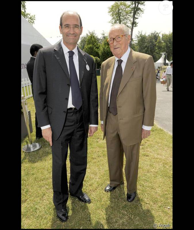 Eric Woerth: Eric Woerth Et Alain Decaux Au Prix De Diane 2009
