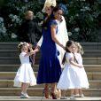 Kate Middleton et Jessica Mulroney (robe bleue) arrivent à la chapelle St. George avec les pageboys (jeunes pages) et flowergirls (porteuses de fleurs) pour le mariage du prince Harry et de Meghan Markle au château de Windsor, samedi 19 mai 2018