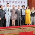 Johnny Galecki, Jim Parsons, Kaley Cuoco, Simon Helberg, Kunal Nayyar, Mayim Bialik, Melissa Rauch - Les acteurs de The Big Bang Theory laissent leurs empreintes sur le ciment lors d'une cérémonie au Chinese Theatre à Hollywood, Los Angeles, le 1er mai 2019.