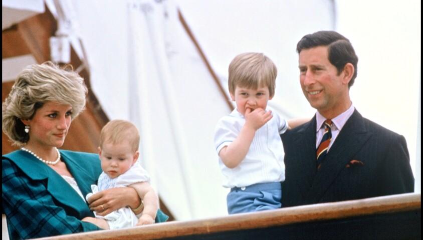 ARCHIVES - LA PRINCESSE LADY DIANA ET LE PRINCE CHARLES D' ANGLETERRE EN VISITE A VENISE AVEC LEURS ENFANTS HARRY ET WILLIAM EN 1985 10/05/1985 - Venise