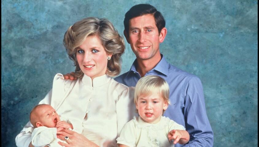 ARCHIVES - LA PRINCESSE LADY DIANA , LE PRINCE CHARLES D' ANGLETERRE ET LEURS FILS HARRY ET WILLIAM - RENDEZ VOUS EN 1984 01/10/1984 -