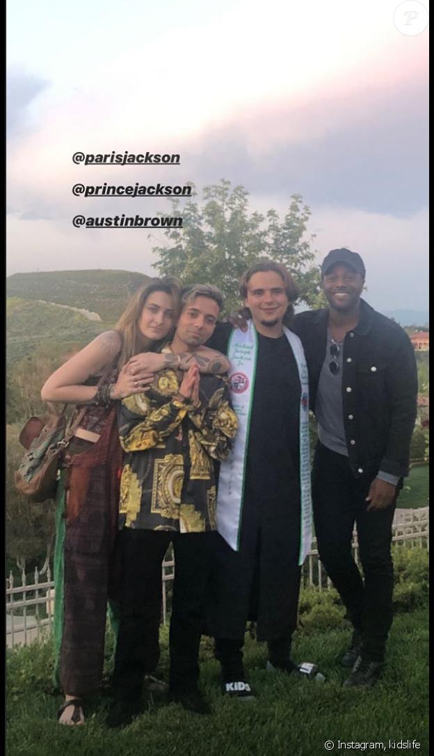 Paris Jackson au côté de son frère Prince Jackson pour sa remise de diplôme, le 11 mai 2019.