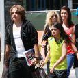 Prince et Blanket Jackson (les enfants de Michael Jackson) font du shopping avec des amis a Topanga Hills, le 18 juin 2013