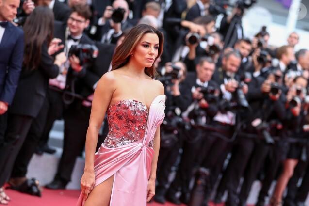 """Eva Longoria - Montée des marches du film """"The Dead Don't Die"""" lors de la cérémonie d'ouverture du 72e Festival International du Film de Cannes. Le 14 mai 2019 © Jacovides-Moreau / Bestimage"""
