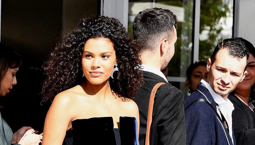 Tina Kunakey quitte l'hôtel Martinez pour se rendre au Festival de Cannes, le 15 mai 2019.