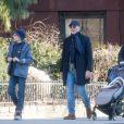 Exclusif - Daniel Craig et sa femme Rachel Weisz se baladent dans la rue à New York avec leur fille le 25 mars 2019.