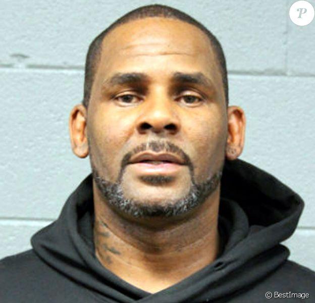 Le chanteur R.Kelly écroué pour non paiment de pension alimentaire - Robert Kelly, connu sous le nom de R. Kelly, photo fournie par le département de police de Chicago, il est inculpé d'abus sexuels sur mineures à Chicago le 23 février, 2019