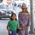 Laeticia Hallyday et ses filles Jade et Joy (ici Joy) arrivent au restaurant Gladstones pour déjeuner à Los Angeles, le 30 mars 2019.