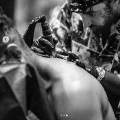 Usher : 3 heures pour son nouveau tatouage à la nuque