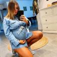 Anaïs Camizuli enceinte et radieuse en robe - Instagram, 6 avril 2019